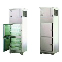 Number Of Doors: 2 - 6 Stainless Steel Vertical Freezer, Capacity: 400 LTR - 1400 LTR, Warranty: 12 Month