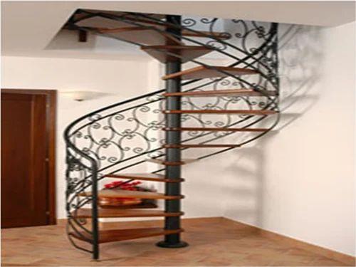 Beautiful Round Design Stair Railing