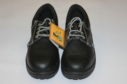 Vaultex Make Ladies Safety Shoes