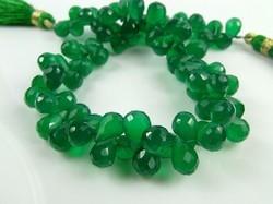 Green Onyx Faceted Teardrop Briolettes Bead Strand