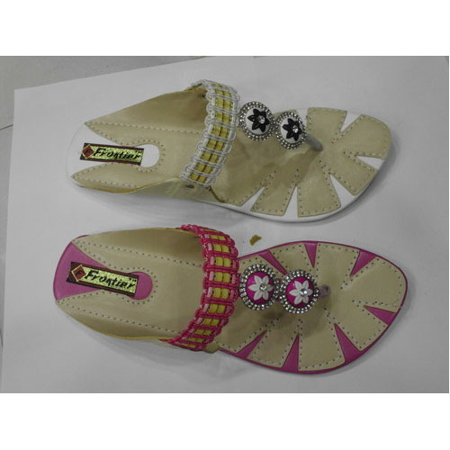 3539a4e96da Ladies Flat Sandals - Stylish Ladies Flat Sandals Wholesale Trader ...