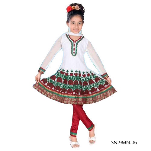 thread-work-punjabi-suits-500x500 Punjabi Dress for Kids- 30 Best Punjabi Outfits for Children