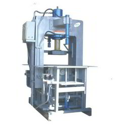 Vibro Press Hydraulic Operated Paving Block Making Machine