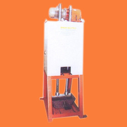 Red Chilli Pounding Machine