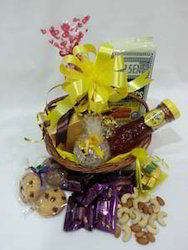Sweet Yellow Hamper
