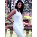White Cotton Vp Oswal Sleeve Less Thermal Inner Wear, Size: 90-95 Cm