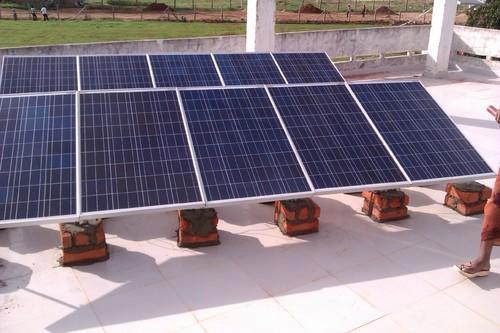 1 Kw Off Grid Solar System Solar Rooftop System Solar Roofing System Grid Tied Rooftop Solar Power Residential Solar Rooftops Commecial Solar Rooftops In Kukatpally Hyderabad Junna Solar Systems Private Limited Id