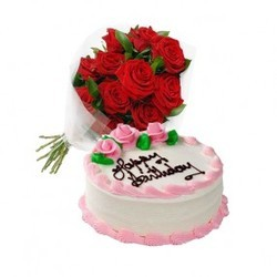 Red Roses with Strawberry Cake