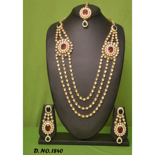 Presha Creation Golden,Maroon Wedding Pendant Necklace Set, Packaging Type: Box