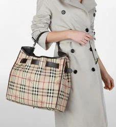 Burberry Design Bag   Wallet - Hand Bags Exporter from New Delhi 8b9c05d006dcd