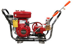 Sprayer with Honda Engine