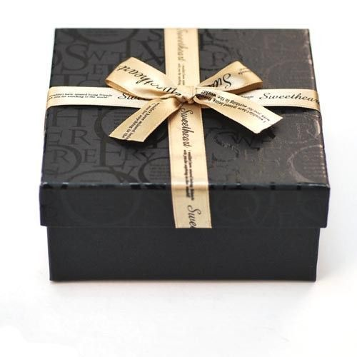 New Luxury Red or Blue Gift package Box with ribbon 135 mm x 220 mm x 135 mm UK