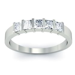 d3b6fbdacdef 3 Diamond Rings and Black Earrings Manufacturer