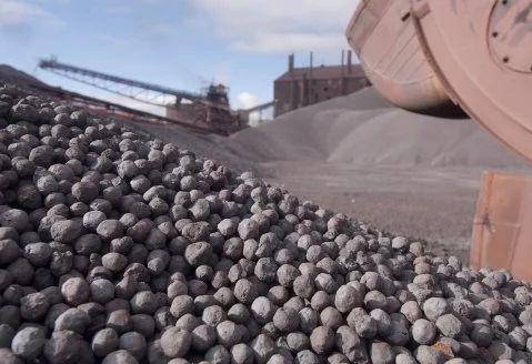 Вьетнам дает точечные разрешения на экспорт железной руды