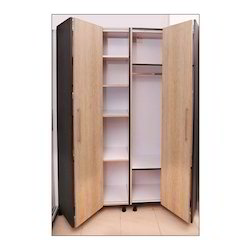 Chilliez Wooden Folding Door Wardrobe