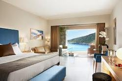 Luxurious Deluxe Rooms Services