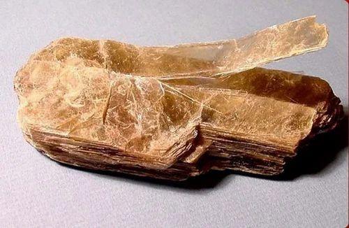 potassium feldspar lumps arham exports exporter in sitapur