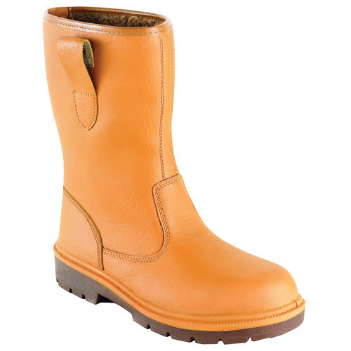 974a2761264 Safety Boots in Kolkata, West Bengal   Safety Boots, Industrial Boot ...
