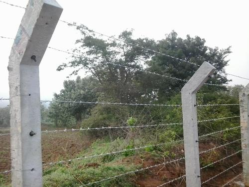 Pre Cast Compound Wall And Barbed Wire Fencing