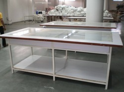 Glass Checking Table