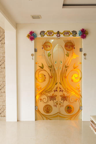 Designed Temple Glass View Specifications Details Of Designer