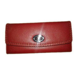 Shine Leathers Red Ladies Magnet Wallet, Packaging Type: Packet
