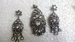 Antique and Elegant Pendant Set in Ruthenium Silver