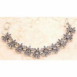 Dazzling Iolite in 925 Sterling Silver Bracelet