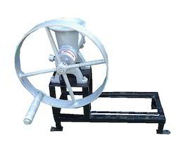 Manually Operated Briquette Machine