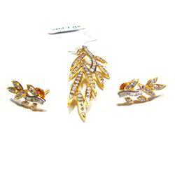 Stylish Gold Diamond Earrings