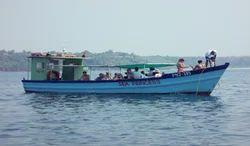Castaway Cruise, 8:30, Dona Paula