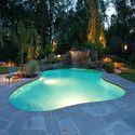 游泳池灯光