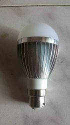 Own and Own Aluminum and Aluminum 7w LED bulb