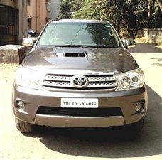 Toyota Fortuner 4x4 MT - View Specifications & Details of