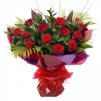 Valentines Day At Trader Rose >> Valentines Day Specials Products Hand Bunch Of Red Roses Wholesale