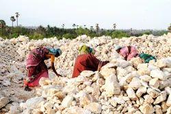 Grade B Feldspar Minerals, Packaging Size: 50 kgs