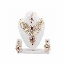 Dazzling Gold Plated Kundan Necklace Set