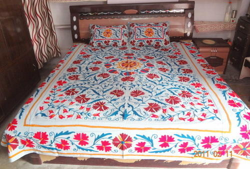 Embroidered Cotton Bed Sheets With Pillow