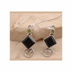 Peridot Adorable Garnet Earrings