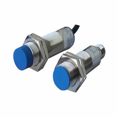 Rs 100 /以降の誘導型近接センサー|  誘導...
