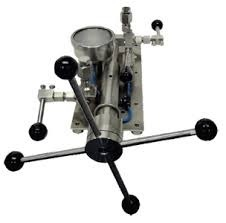 Hand Pump with Reservoir