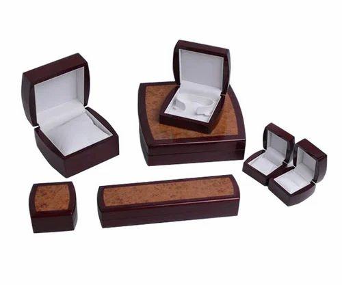 Baizebrown Fancy Jewellery Box Rs 400 piece Om Display ID
