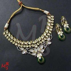 Green Fusion Necklace Set
