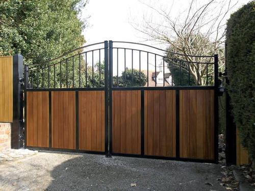 Arch Type Wooden Gate