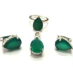 Stylish Green Rhodium Pendant Ring Set