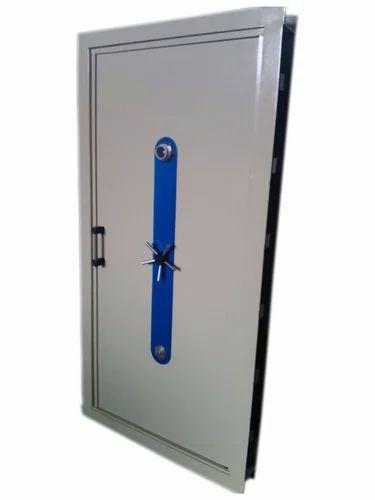 Strong Room Door  sc 1 st  IndiaMART & Strong Room Door Strong Room Door - Asian Safes Ahmedabad | ID ... pezcame.com