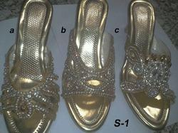 Golden Fashion Sandals, Size: 6 to 11