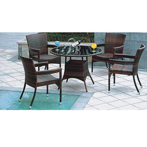 4 Chair And 1 Round Table Outdoor, Round Table Patio Furniture