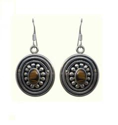 Sterling Silver Earring with Garnet