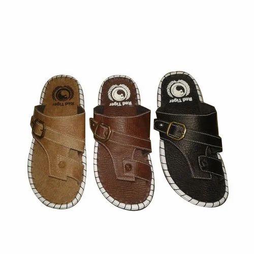Gents Slippers at Rs 100/pair   Karol